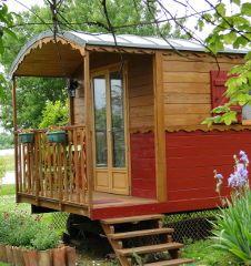 fabricant de roulottes amenagees tout confort toutes dimensions logement insolite roulotte maisonnette