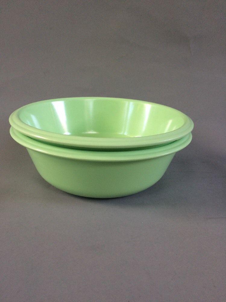2 Rubbermaid Vintage Bowls 3836 Melamine Melmac 6\