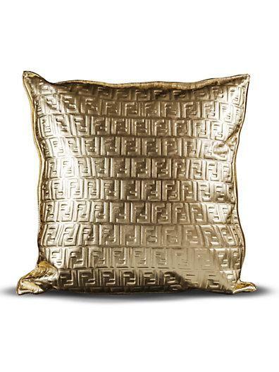 Cuscini Fendi Casa.Fendi Pillow Saks Yep The Most Expensive Pillow I Ve Ever Seen