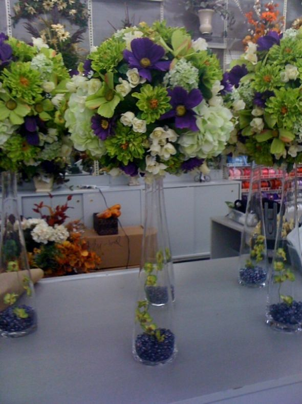 Beautiful Tall Wedding Table Centerpieces Of Deep Purple Shades Lime Green White With