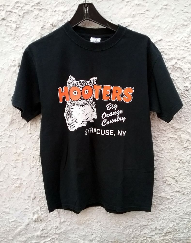 e4a0223fc4c1 Hooters Big Orange Country Syracuse New York t shirt black Medium  Hooters   GraphicTee