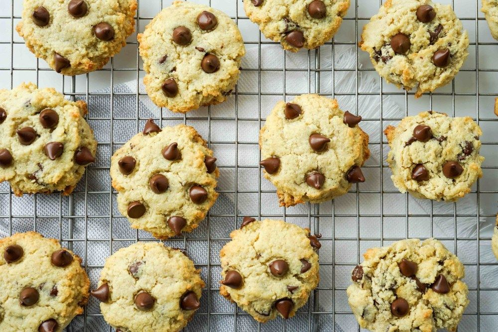 Glutenfree chocolate chip cookies sweetened with monk