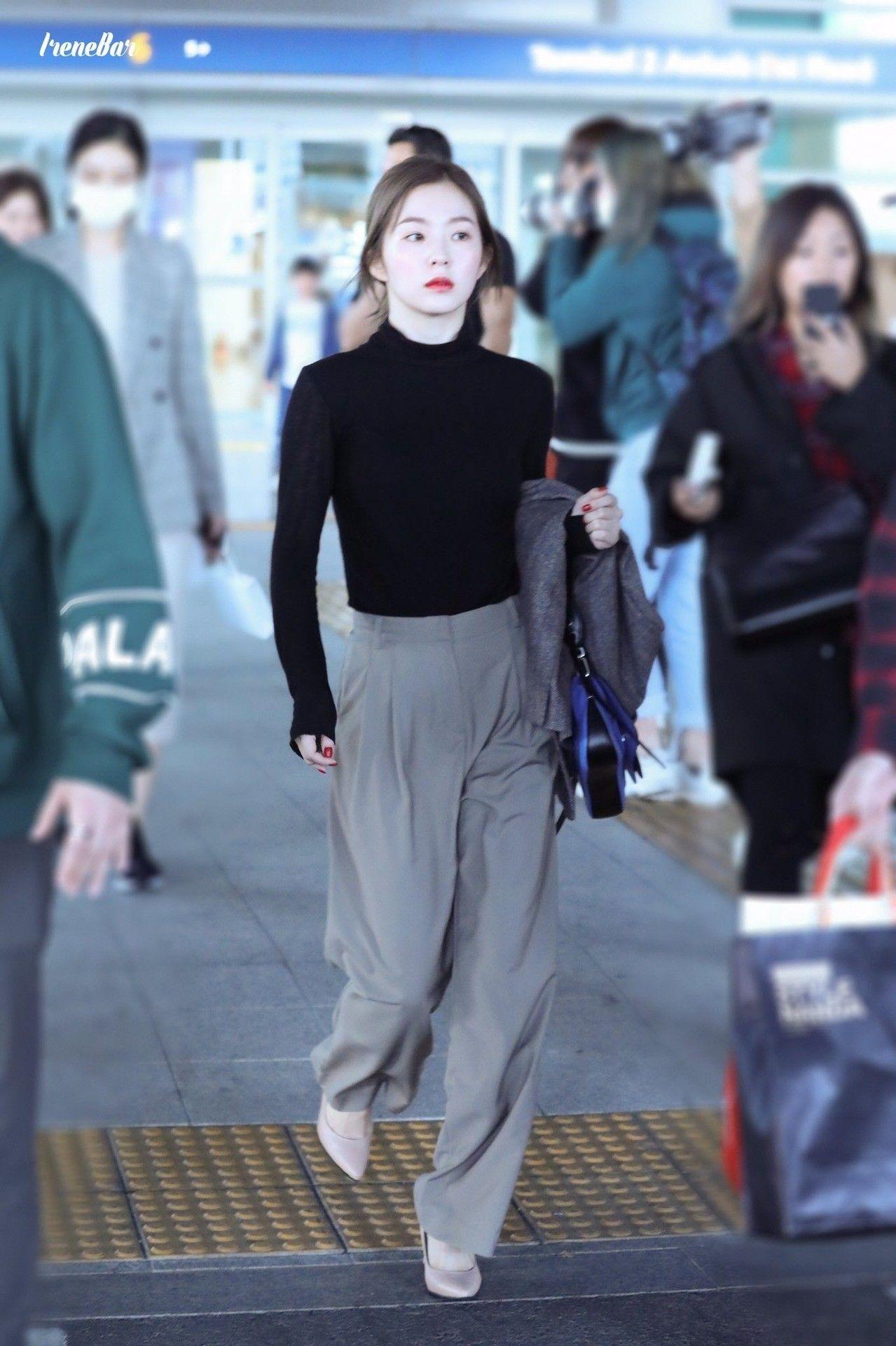 aa8e70d6ad8 Irene red velvet airport fashion   red velvet ❤ in 2019   Velvet ...