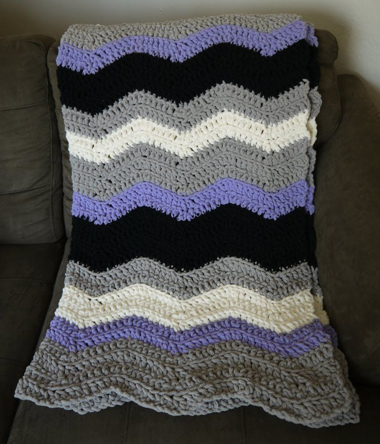 Chevron Blanket crochet pattern with Bernat Blanket Yarn | Crochet ...