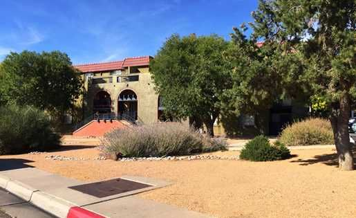 505 234 1196 1 3 Bedroom 1 2 Bath La Entrada 8000 Montgomery Blvd Ne Albuquerque Nm 87109 House Styles Apartments For Rent Living Environment