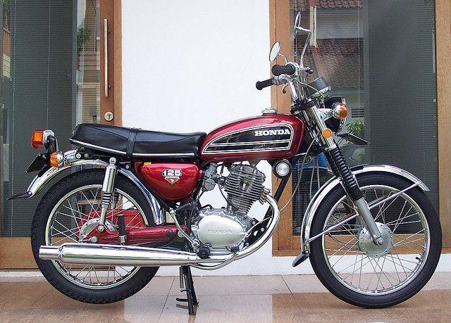 Honda Cb 125 1975 Honda Cb Vintage Honda Motorcycles Honda