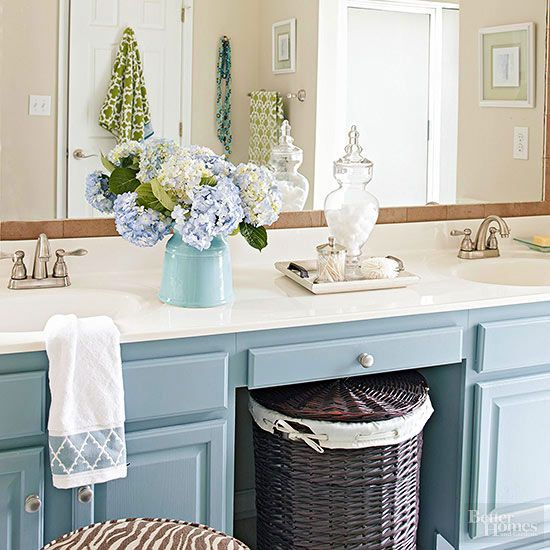 Low Budget Bathroom Makeovers: $200 Budget Bathroom Makeover In 2019