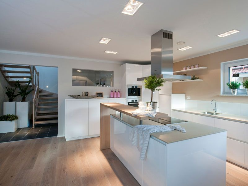 Küche mit Kochinsel | Wohnen | Pinterest | Daily fashion, Kitchens ...