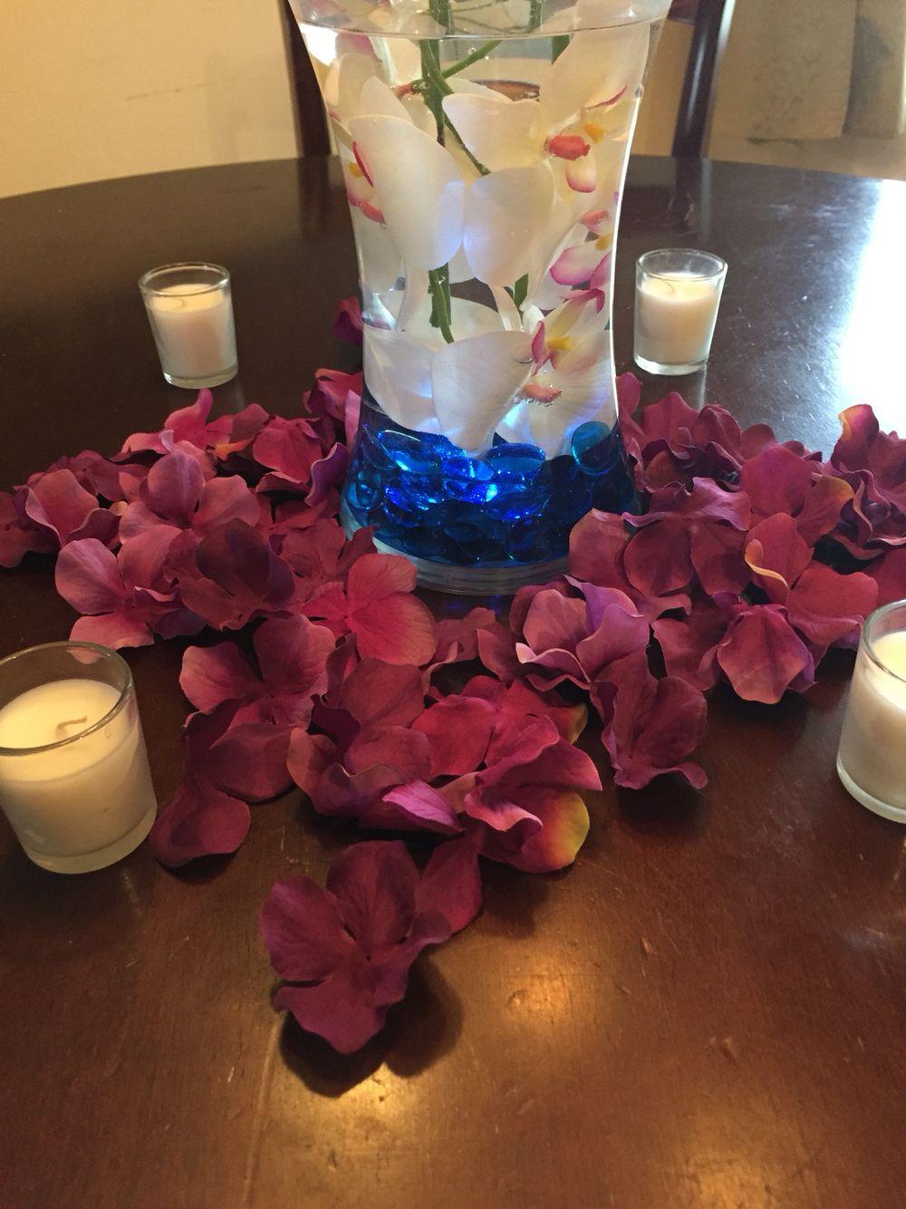 Clear vase underwater led light colored stones white