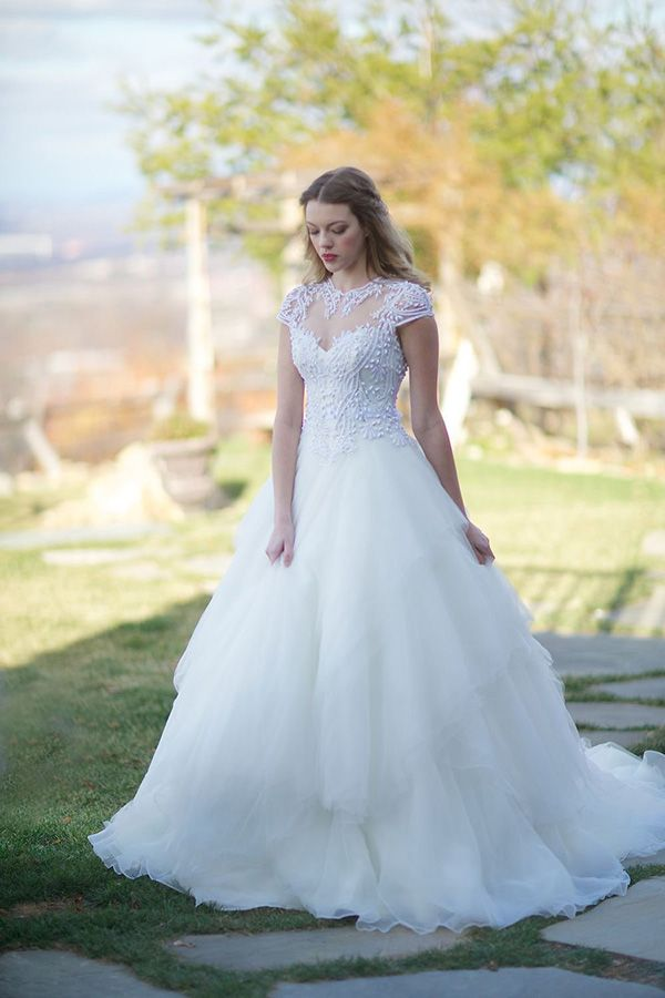 Exclusive Veluz Gowns At Ever After Bridal Wedding Dresses