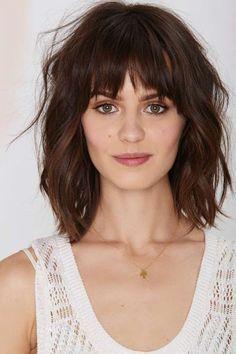 Frisuren kurze wellige haare