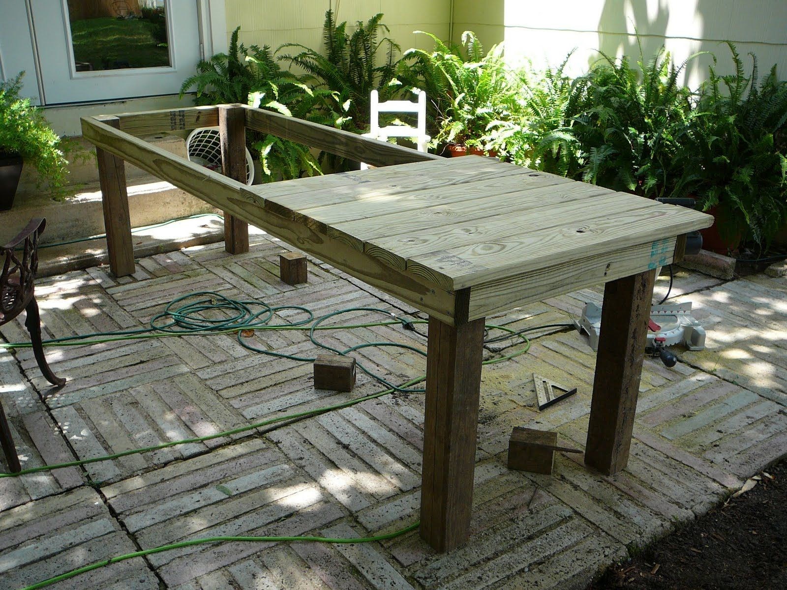 constructing your own kitchen table  rustic style