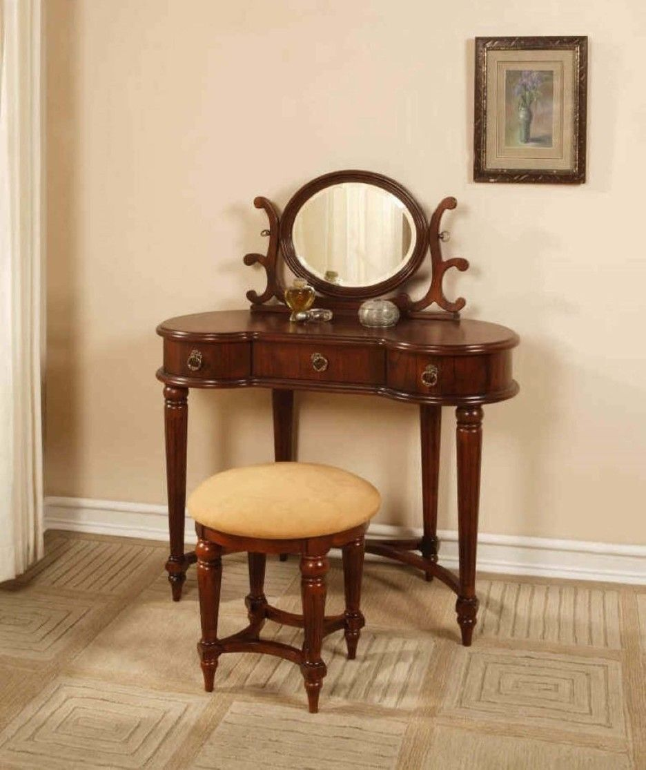 Furniture. Brown Varnished Teak Wood Make Up Table With Small Oval Mirror  Mixed Round Light