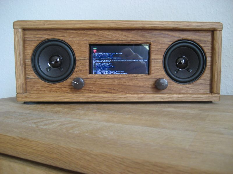 A really nice-looking Raspberry Pi-based Internet radio ...