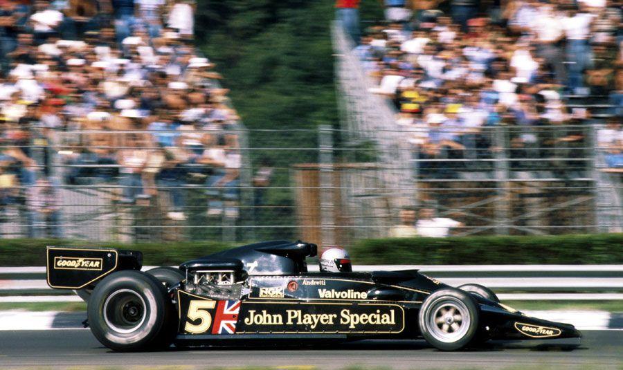 Mario Andretti en route pour la victoire lors du Grand Prix d'Italie 1977