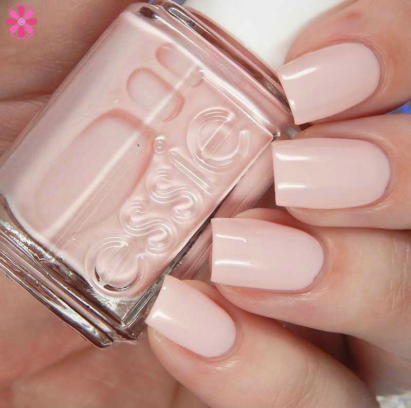 Essie Treat Love & Color New Shades Swatches and Review | esmaltes ...