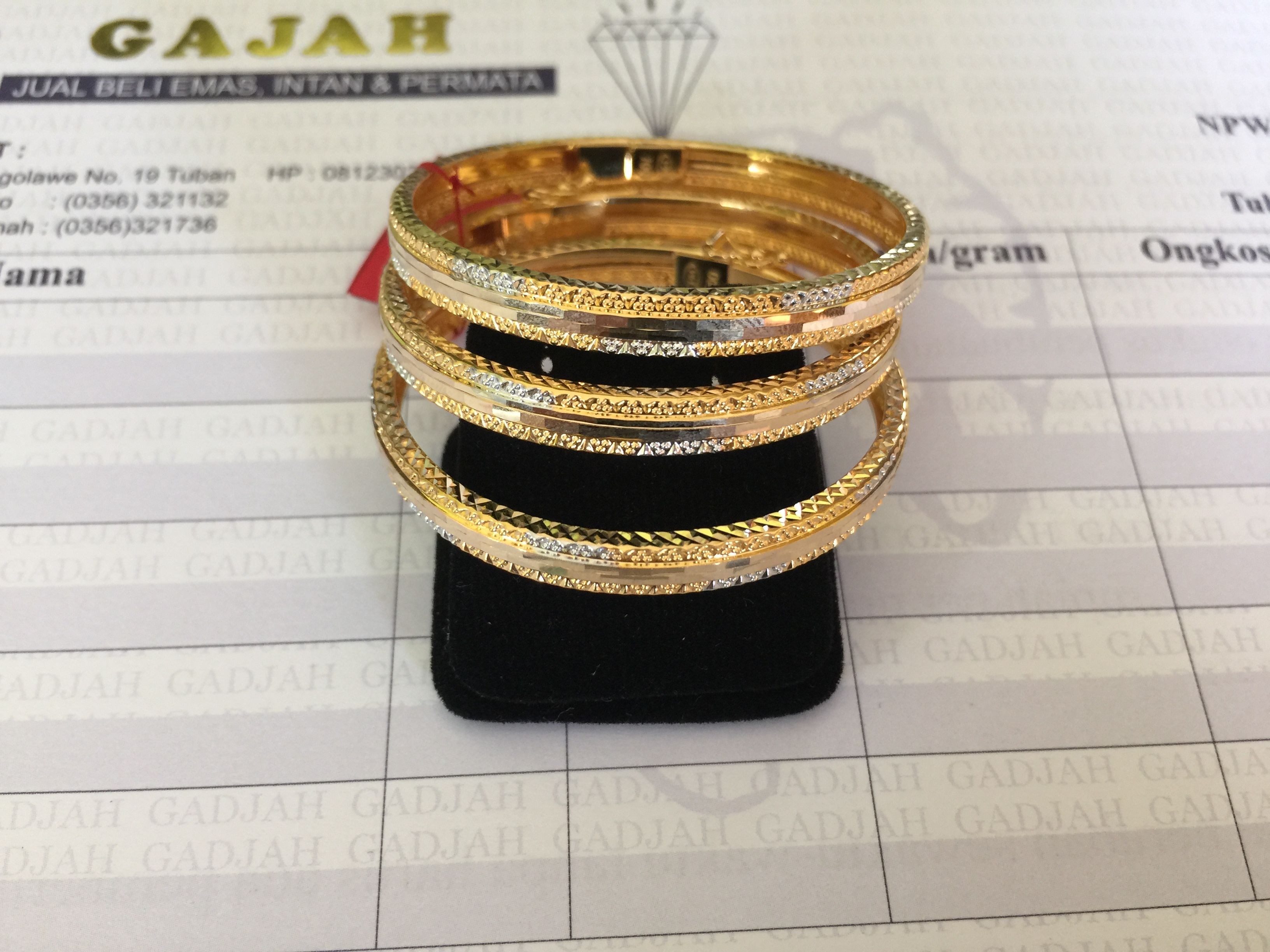lyst roberto yellow coin bangles bracelet gold view fullscreen jewelry white cheval diamond bangle