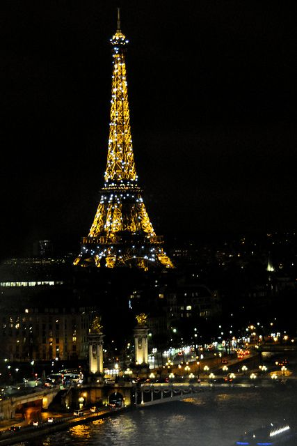 Night View of Eiffel Tower