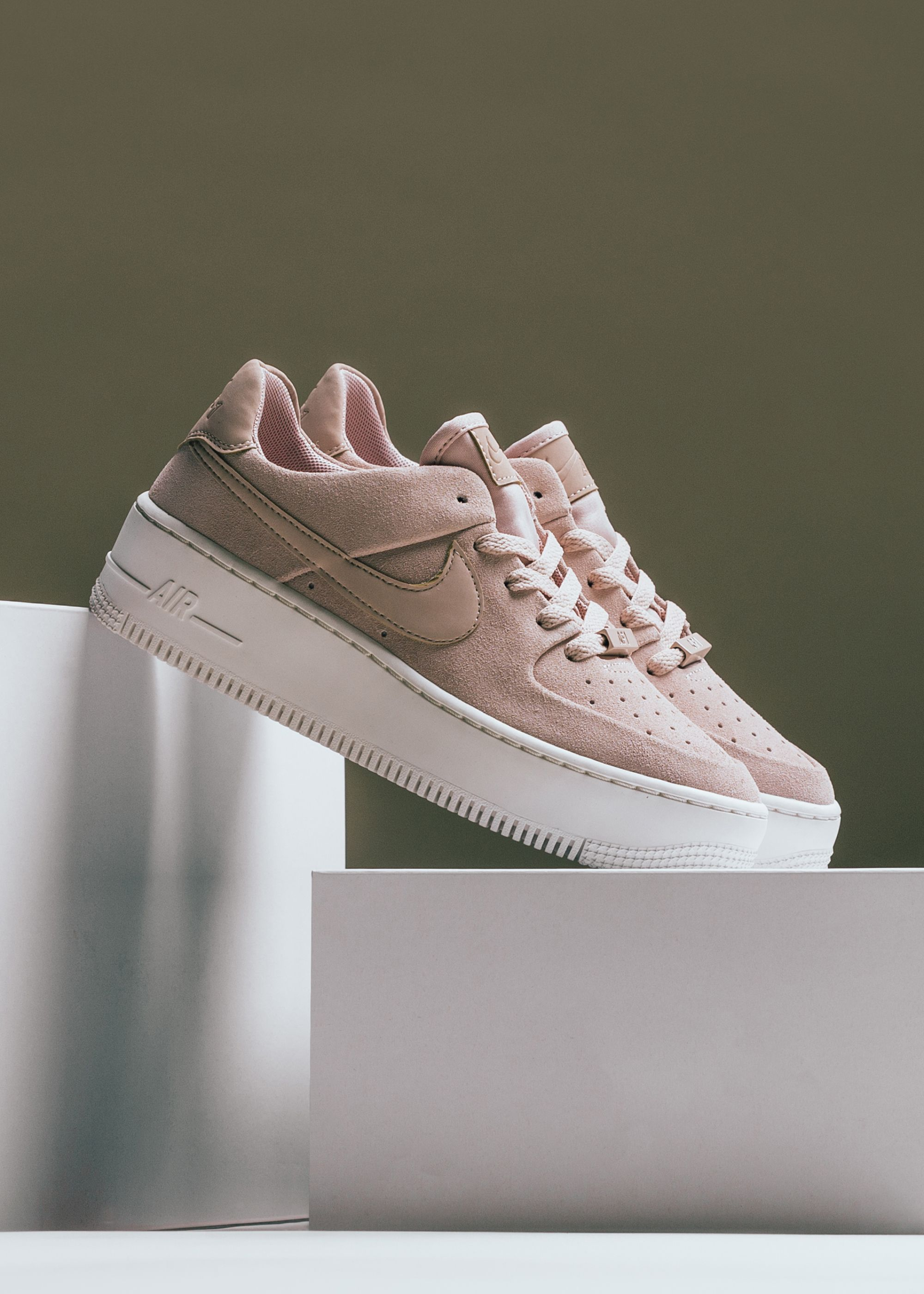 sale retailer aa3ec fe7db Nike Womens Air Force 1 Sage Low