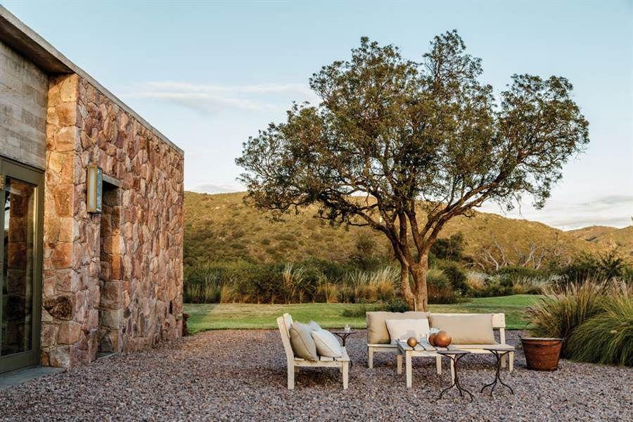 Córdoba diseño simple en una casa con vista a las sierras
