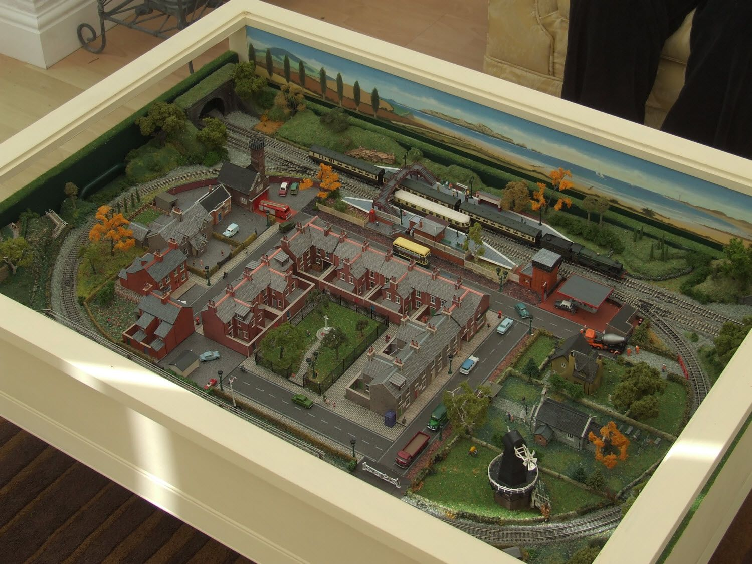 Delicieux Model Railroad In A Coffee Table