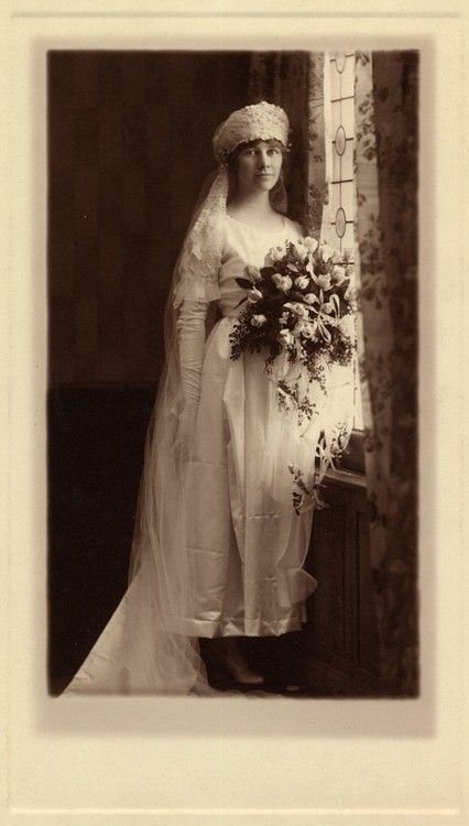 Alice On Her Wedding Day In 1916 Sadly She D Just Two Years Later The 1918 Influenza Epidemic Http Vintagebrides Tumblr Archive