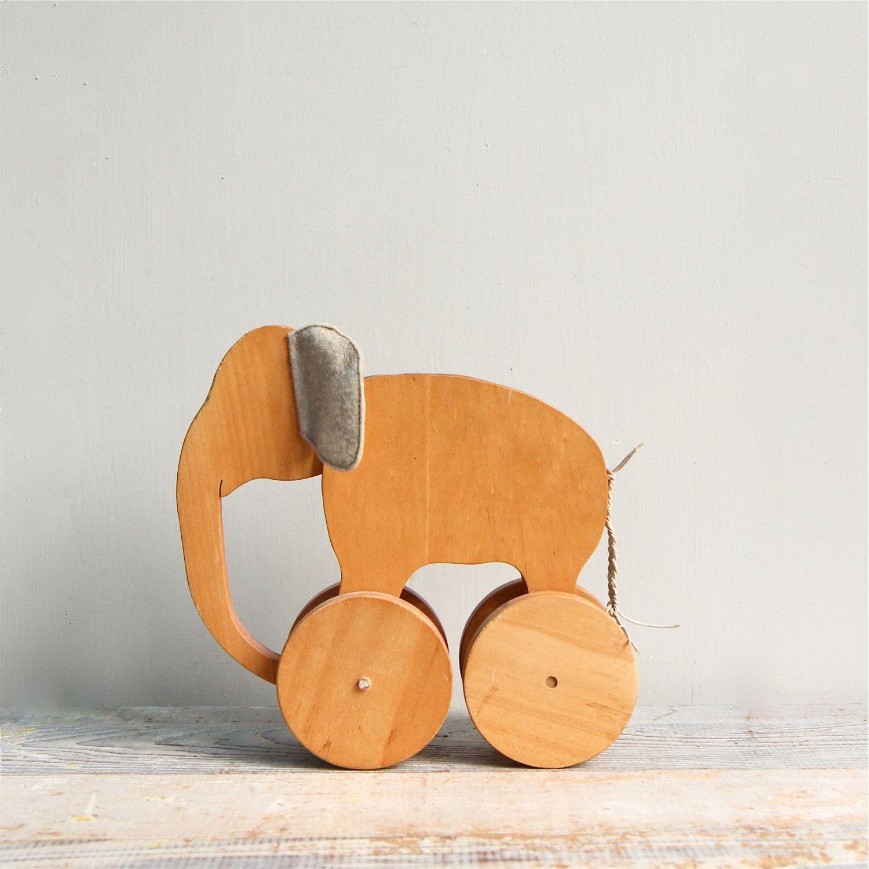 Vintage Handmade Elephant Pull Toy Modern Folk Wood Juguetes  # Pequenos Gigantes Muebles