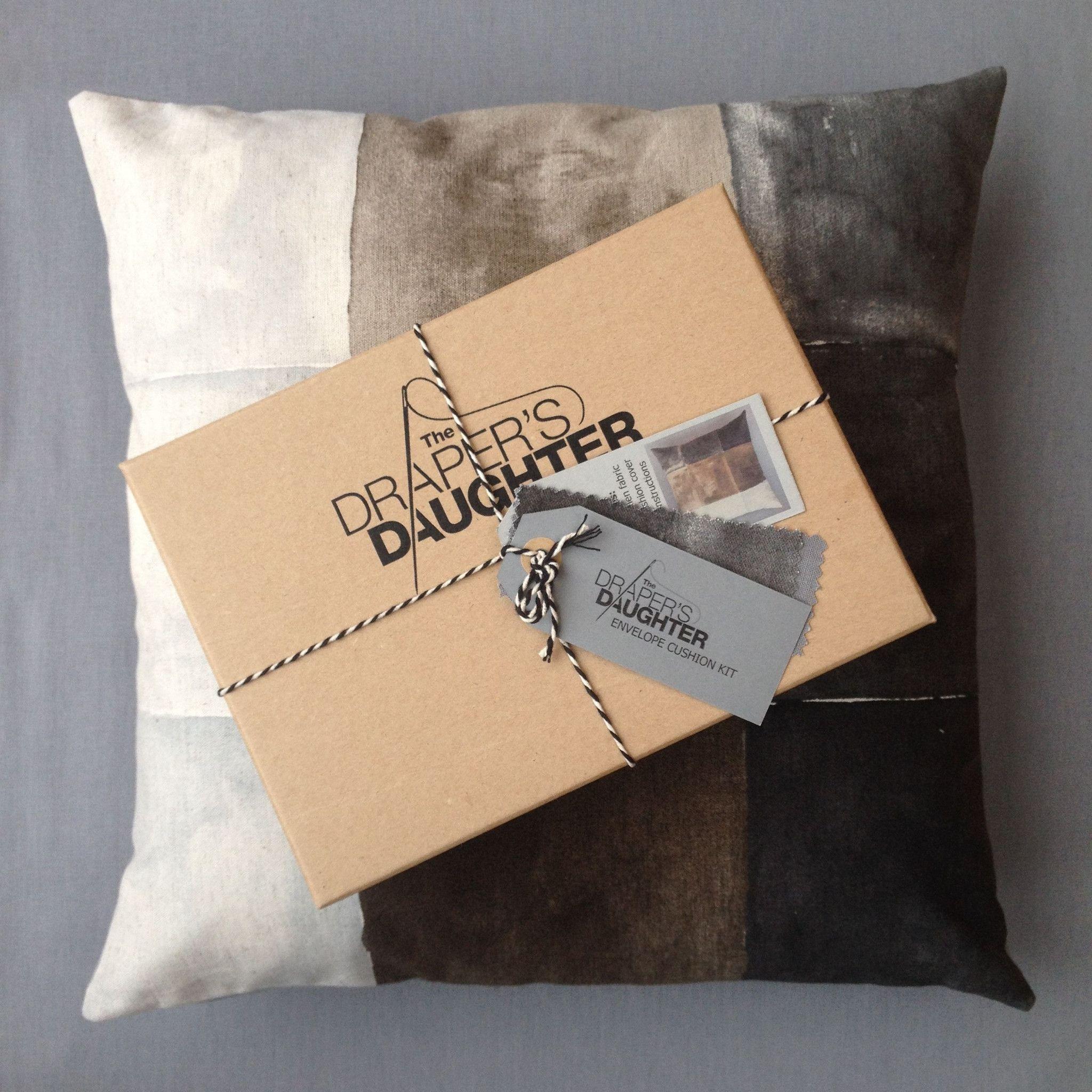The draperus daughter cushion cover kit in nani iro for kokkaus