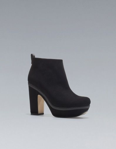 ANKLE BOOT WITH BLOCK HEEL