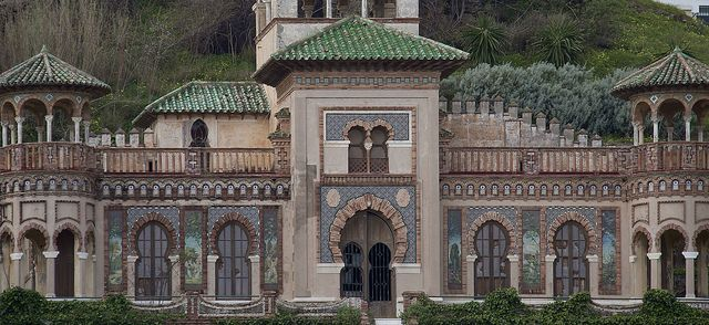 Casa de los Navajas (House of Knives) in Torremolinos was built by Francisco Fernández Fermina for Antonio Navajas Ruiz in 1925 in neomudéjar style.