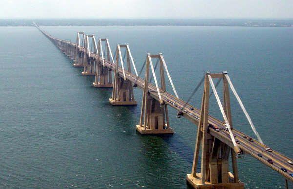 Puente sobre el lago de Maracaibo Rafael Urdaneta  Paisajes De