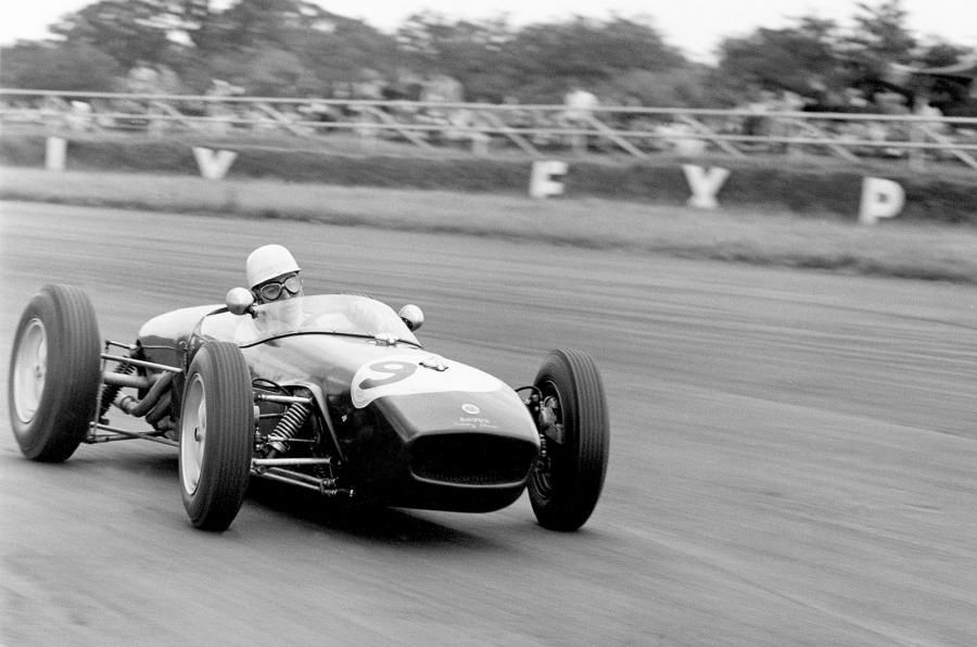 John Surtees in Lotus 18 scored his 1st #F1 podium with a 2nd place at Silverstone. 1960 #BritishGP Credit autocar