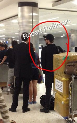 New Fan Picture of Rob at LAX Today -- Sept.3/12 arrived from London.