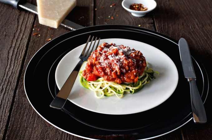 Spaghetti di zucchine con sugo alla Bolognese | Paderno Official Website & Store