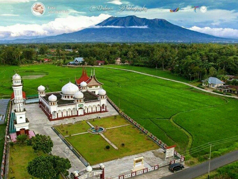Masjid Jami' al-Syarif 2, Koto Laweh, Gadut. West Sumatra - Indonesia