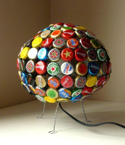 Decorar con objetos reciclados | Bottle top, Bottle and Bottle cap art