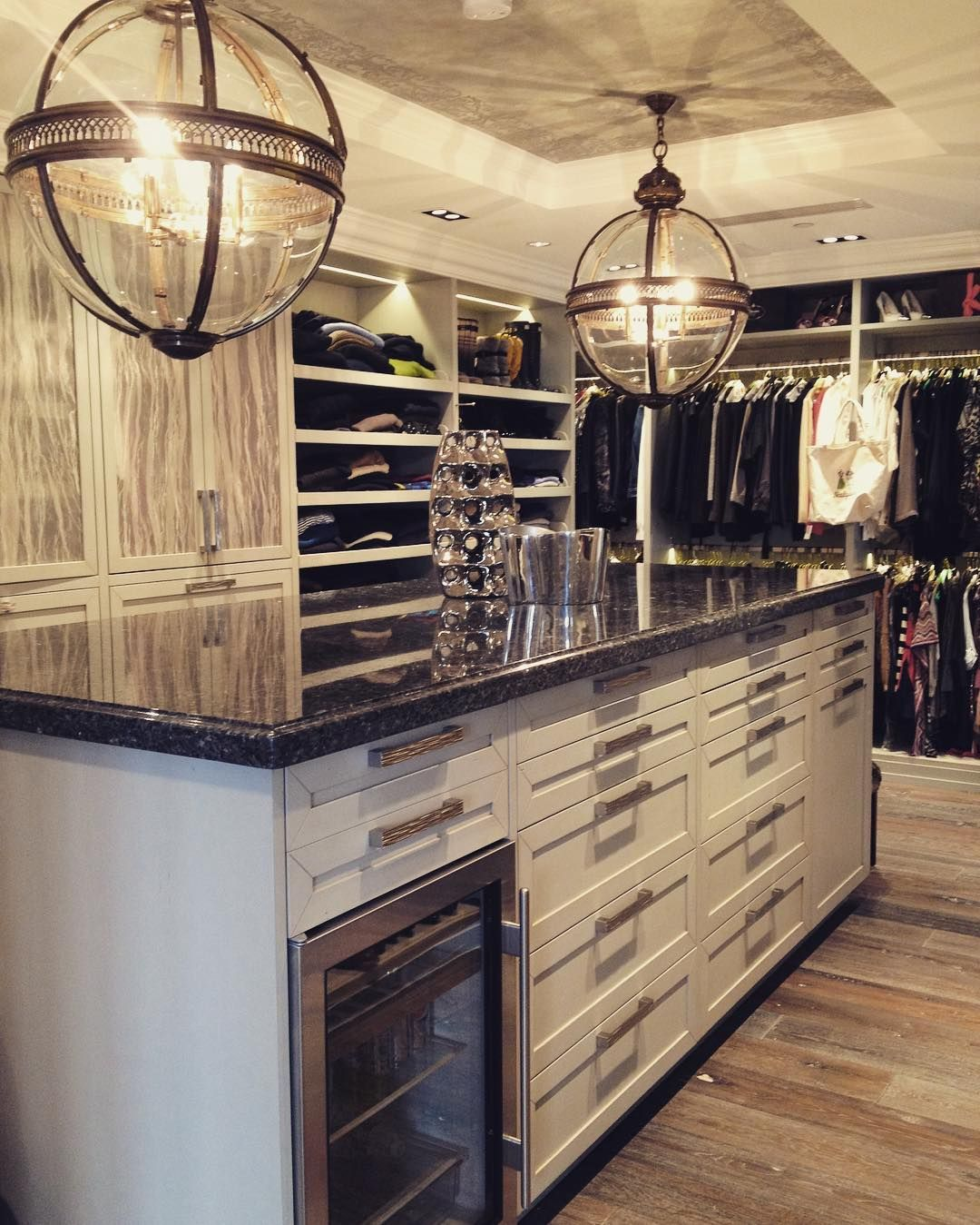 Now this is a dream walk in closet