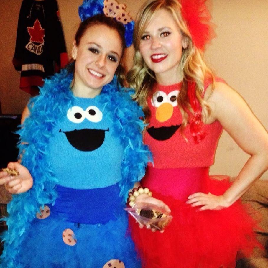 couples diy halloween costume - cookie monster and elmo | halloween