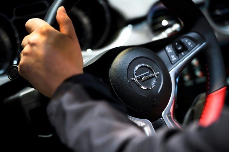 Francia exonera a Opel en el caso de las emisiones de diésel