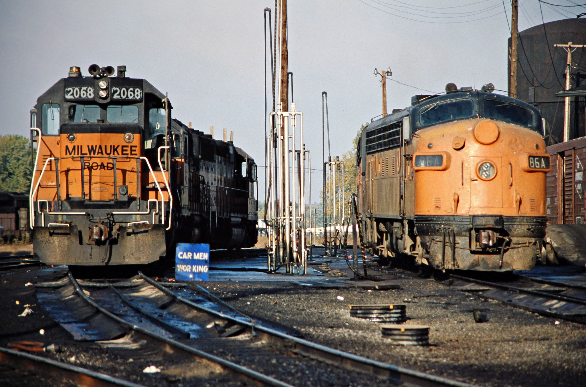 milw savanna illinois 1978 milwaukee road locomotives in savanna rh pinterest com