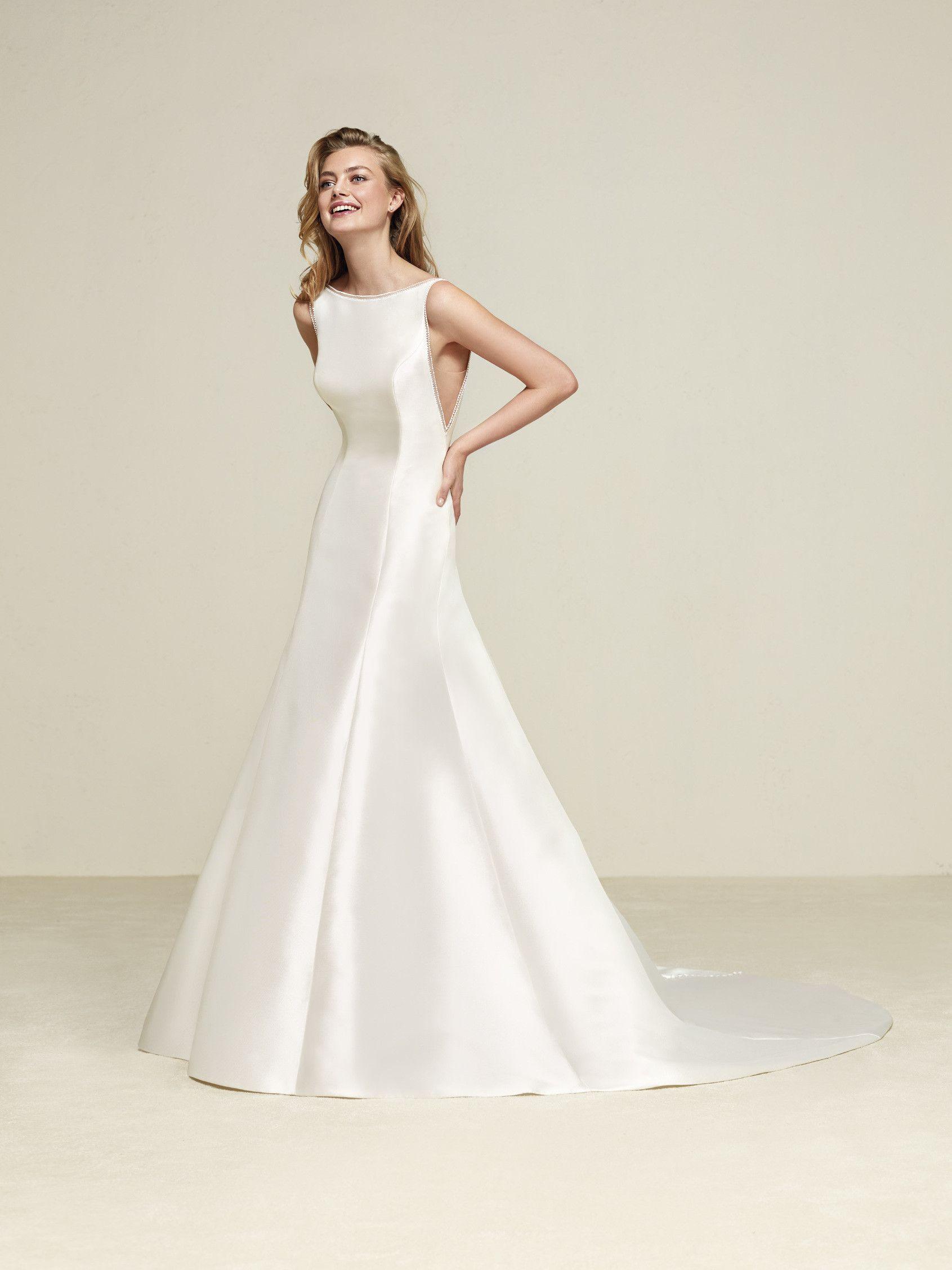 Elegant fitted wedding dresses  Wedding dress  Druna  Drömblask  Pinterest  Wedding dress