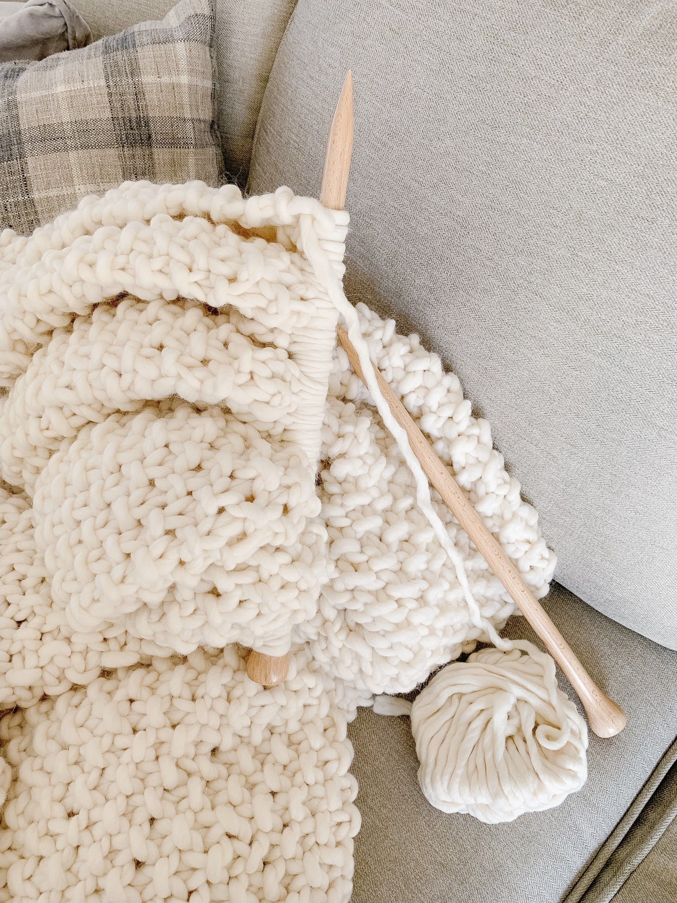 Photo of Easiest Ever DIY Knit Blanket – Making it in the Mountains