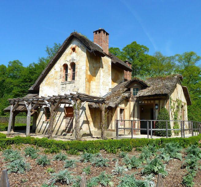 la maison du jardinier hameau de la reine le petit. Black Bedroom Furniture Sets. Home Design Ideas