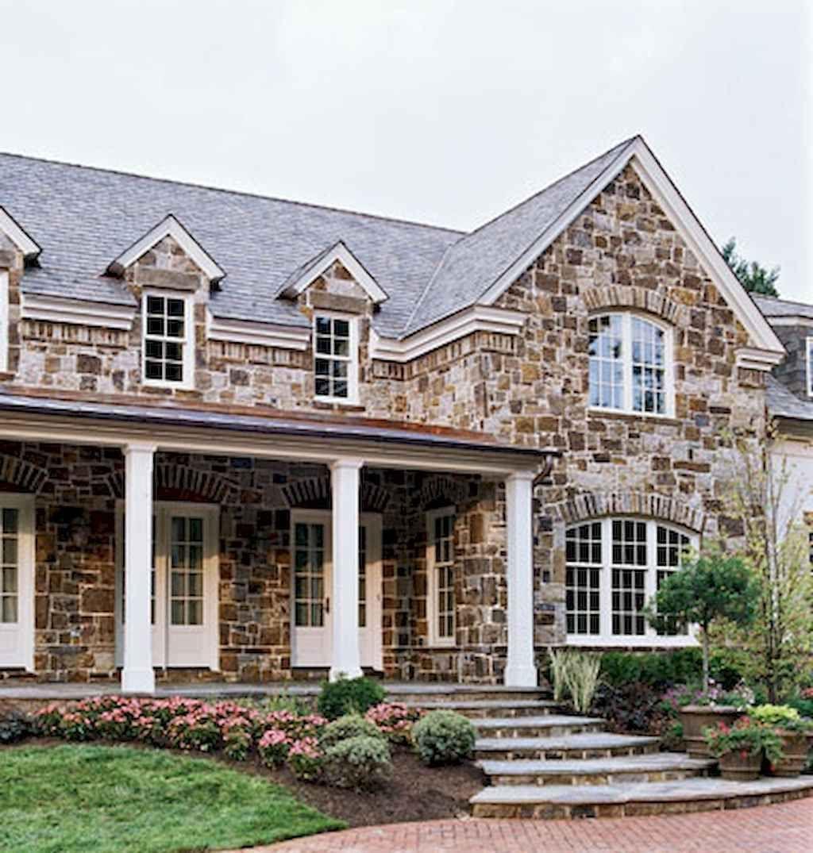 90 Modern American Farmhouse Exterior Landscaping Design C In 2020 House Exterior Stone Exterior Houses Farmhouse Exterior