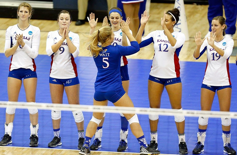No 9 Kansas Awaits Elite Match With No 1 Usc Volleyball News Usc Elite