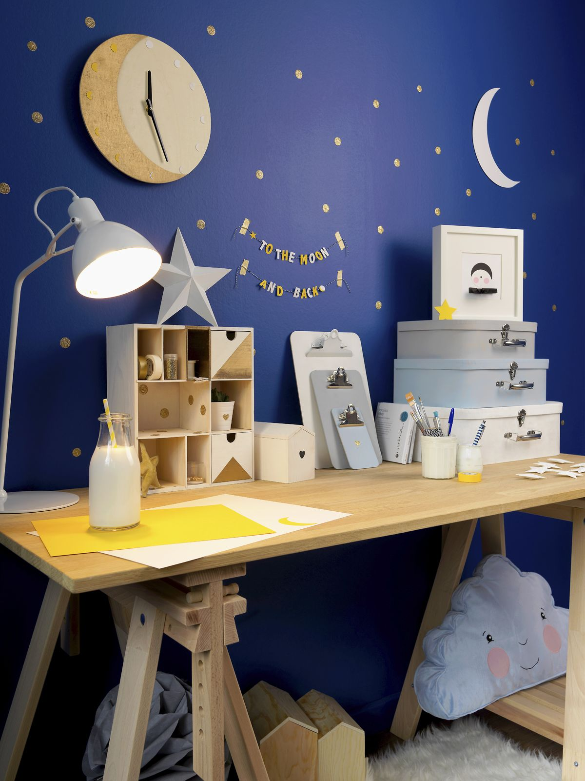 DIY Redécorer une chambre d\'enfant sur le thème de la lune | Room ...