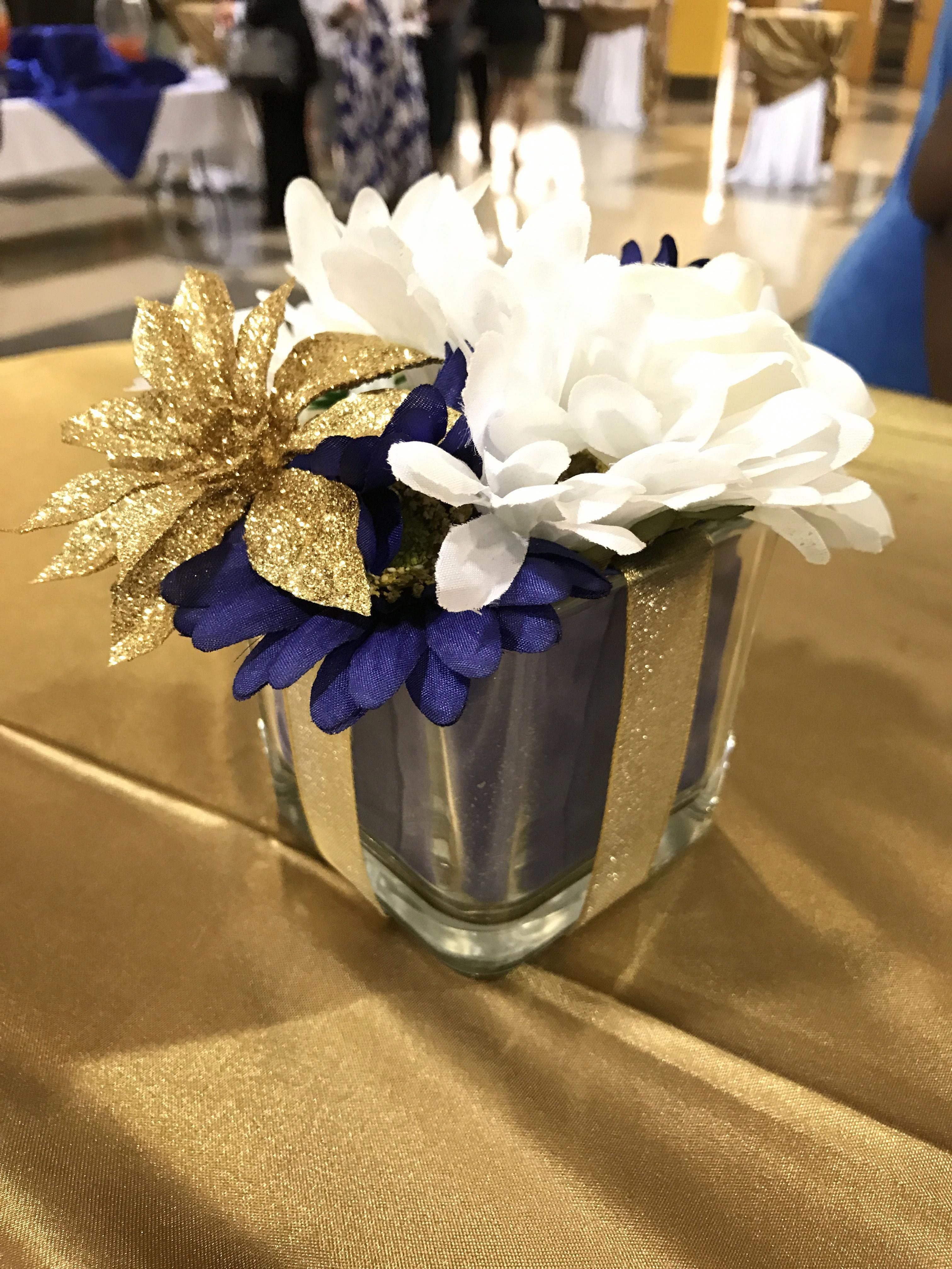 Navy Blue White And Gold Cocktail Reception Centerpiece Diyweddingcenterpiecesg Navy Blue And Gold Wedding Gold Wedding Centerpieces Blue Wedding Decorations