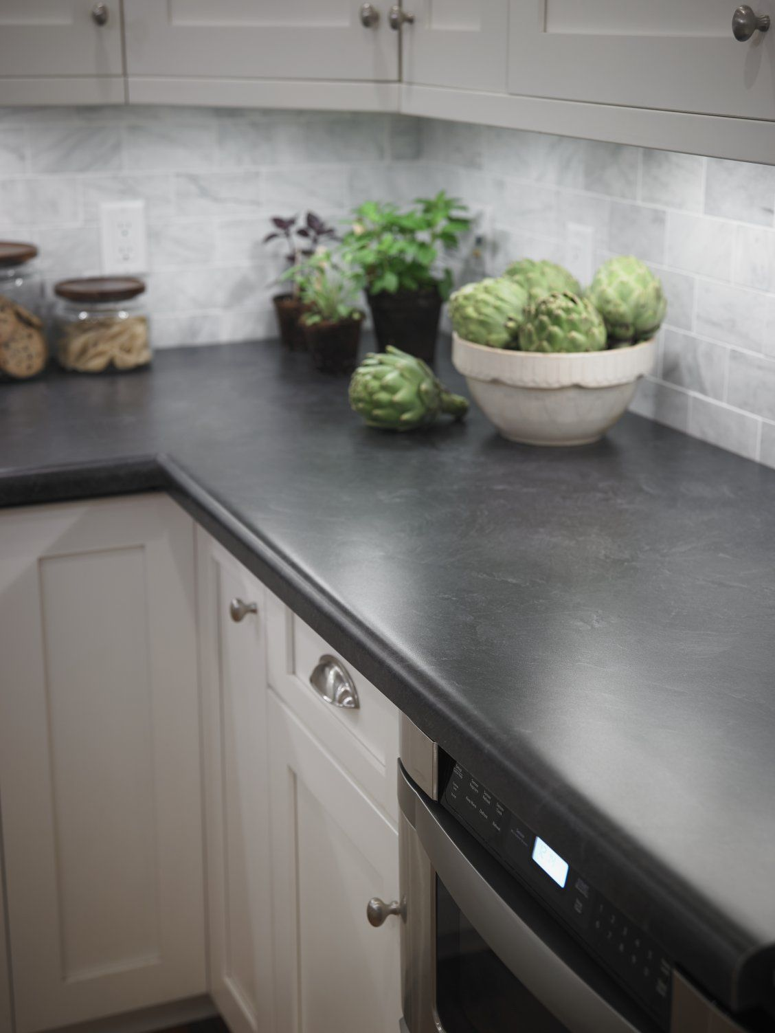 Kitchen With Formica 174 Laminate Basalt Slate Countertop