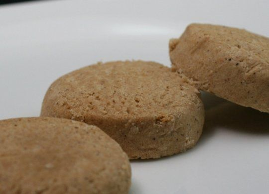 Ingredientes: Harina, Avellanas tostadas, Azúcar, Mantequilla