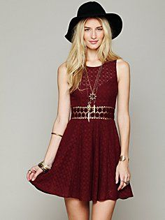 Love it in the red or black. Especially love it with the hat!!!
